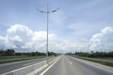 Cột đèn cao áp: Ưu điểm của các mẫu rời cần và một số mẫu tiêu biểu